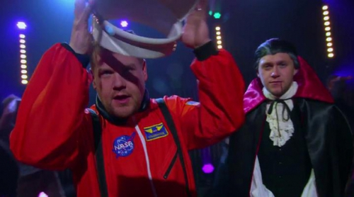 "Niall Horan (""One Direction"") y James Corden celebran Halloween con un musical"