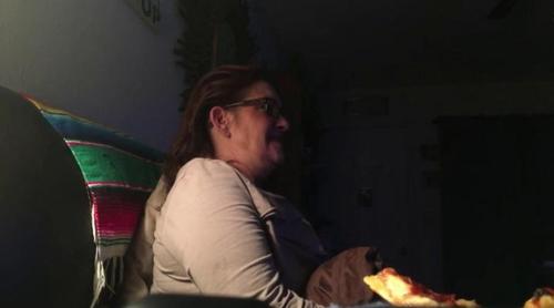 Un fan de 'The Walking Dead' graba la reacción de su madre mientras ve el asesinato cometido por Negan