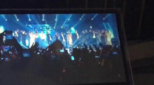 """Los 16 triunfitos interpretan """"Mi música es tu voz"""" en el concierto de 'OT. El reencuentro'"""