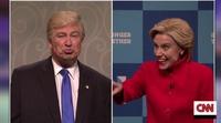 'Saturday Night Live' pilla a Donald Trump besándose con Putin y con un miembro del Ku Klux Klan