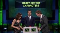 """Eddie Redmayne y Lily Collins compiten por ver quien sabe más nombres de la saga """"Harry Potter"""""""