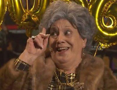 Terele Pávez parodia el anuncio de la Lotería en 'Late Motiv' como una anciana enloquecida por el dinero