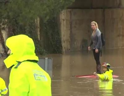 Cuatro emite en directo el rescate de una mujer atrapada en su coche por las inundaciones