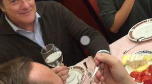 """El """"Mannequin Challenge"""" de la cena navideña de los trabajadores de 'El cascabel' y 'La marimorena' de 13tv"""
