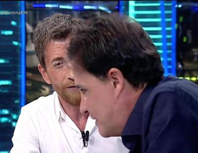 Pablo Motos, muerto de la vergüenza al verse cantando en el Festival de Benidorm