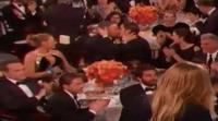El apasionado beso entre Andrew Garfield y Ryan Reynolds en los Globos de Oro