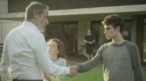 'Sé quién eres': Un profesor acusado del asesinato de su sobrina, en el tráiler de la nueva serie de Telecinco
