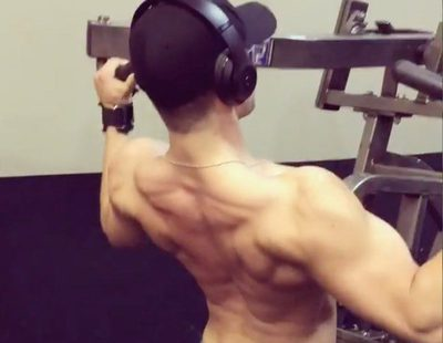 Cody Christian ('Teen Wolf') lo da todo en el gimnasio