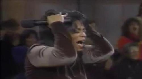 Oprah Winfrey se vuelve loca al ser sorprendida por Mary Tyler Moore
