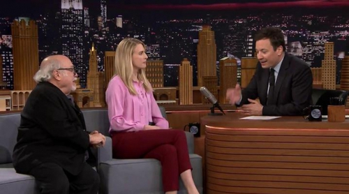 'The Tonight Show': Brit Marling ('The OA') y Danny DeVito visitan el programa de Jimmy Fallon