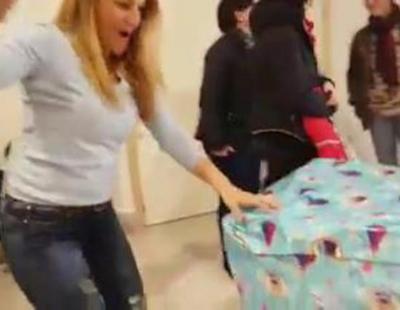 La sorpresa de este padre sevillano a su hija da la vuelta al mundo