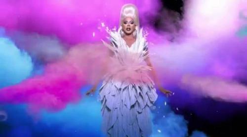 """Promo de 'RuPaul's Drag Race 9' con todas las concursantes: """"América necesita una nueva reina más que nunca"""""""