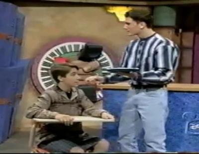 Ryan Gosling recibe un tartazo en un sketch de la última temporada de 'Mickey Mouse Club'