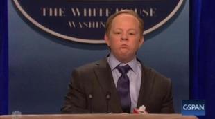 'Saturday Night Live': Melissa McCarthy parodia al secretario de prensa de Trump en un desternillante sketch
