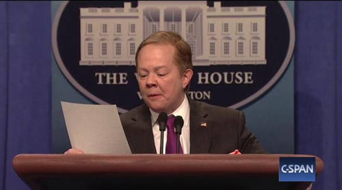'Saturday Night Live': Melissa McCarthy imita de nuevo a Sean Spicer, secretario de prensa de Trump