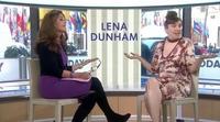 """Lena Dunham pronuncia """"pene"""" en una entrevista y descoloca a la presentadora"""