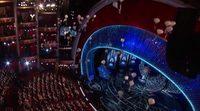 Oscar 2017: Jimmy Kimmel inunda el auditorio con decenas de dulces caídos del cielo