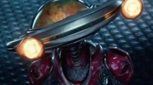 Primer clip del reboot de 'Power Rangers' con los superhéroes descubriendo a Alpha 5 y el Centro de Comando
