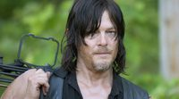 'The Walking Dead': Norman Reedus y Greg Nicotero son arrastrados fuera del plató