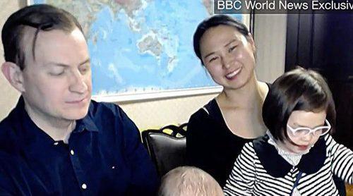 La BBC vuelve a entrevistar al profesor que se hizo viral gracias a su familia