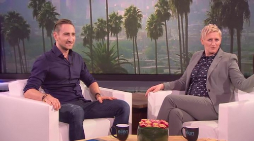 Un fan de Ellen DeGeneres consigue simular una entrevista para intentar acudir a su programa