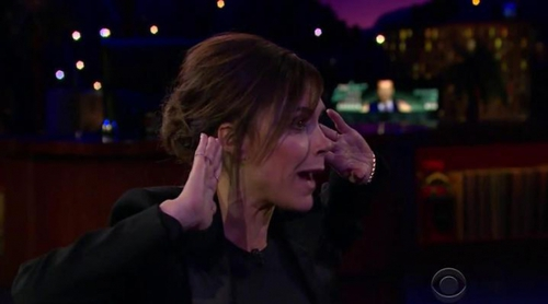 El juego en el que James Corden lanza fruta a la cara de Jessica Chastain, Victoria Beckham y Lisa Kudrow