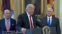 Donald Trump se convierte en el protagonista de 'Veep' en un vídeo con los créditos finales de la serie