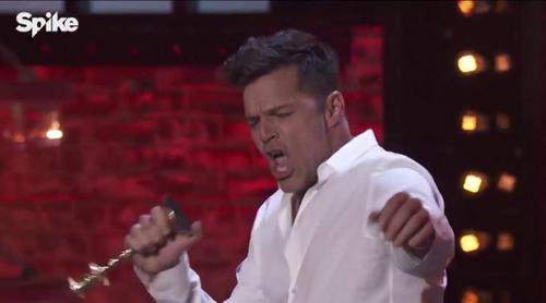 """Ricky Martin se marca un 'Lip Sync Battle' en calzoncillos al más puro estilo Tom Cruise en """"Risky Business"""""""