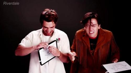 KJ Apa (Archie) y Cole Sprouse (Jughead) de 'Riverdale' confiesan ser fans de 'Por 13 razones'