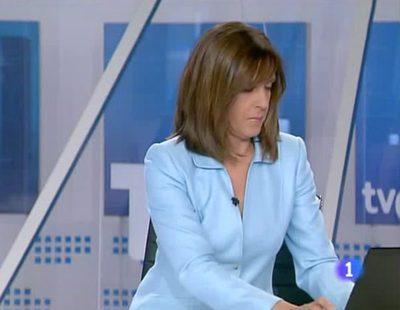 Ana Blanco, cazada con el ordenador entre noticia y noticia