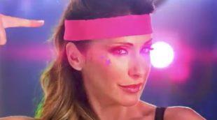 'GLOW': Sabrina presenta un tutorial para convertirte en una gran luchadora