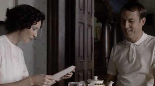 'Outlander': Claire regresa a 1948 en el tráiler de la tercera temporada