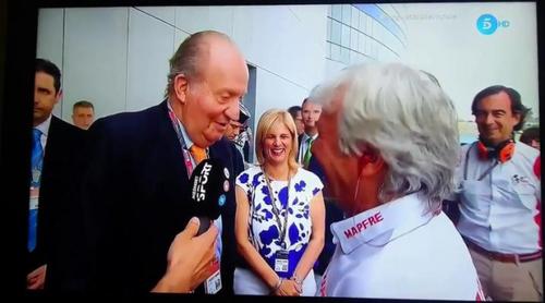 """El Rey Juan Carlos I se encuentra con Ángel Nieto y corta a Nico Abad: """"Quita ese micrófono de ahí"""""""