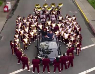 'Carpool Karaoke': Will Smith, con orquesta incluida, se sube con James Corden al coche para cantar