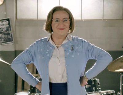 'Ella es tu padre': El personaje de Carlos Santos muestra su transformación en mujer en la nueva promo