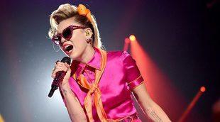 """MTV Video Music Awards: Una recatada Miley Cyrus vuelve a los premios para interpretar """"Younger Now"""""""