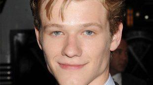 """Lucas Till ('MacGyver'): """"Sigue pareciendo que tengo 18 años y eso me distrae cuando veo la serie"""""""