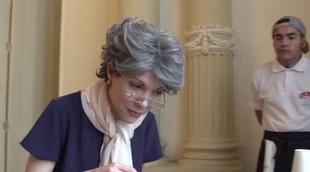 """'Narcos': La """"abuela"""" de Miguel Ángel Silvestre visita el rodaje de la serie"""