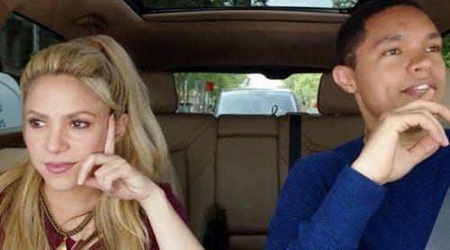 Shakira comete una imprudencia vial por las calles de Barcelona durante una grabación de 'Carpool Karaoke'