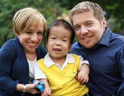 '¡Menuda pareja!' muestra el proceso de adopción de Bill y Jen el próximo 3 de octubre en DKiss