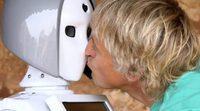 'Volando Voy': Surrealista encuentro entre Jesús Calleja y un robot en una iglesia, en el avance del programa