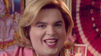 'Paquita Salas' confunde las estatuillas de los Globos de Oro y los Emmy en la nueva promo de Netflix