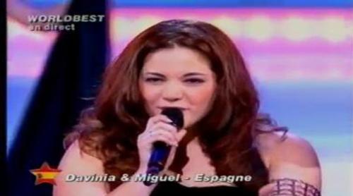 """Davinia y Miguel Cadenas ('OT 3') interpretan """"As"""" en el Worldbest en 2004"""