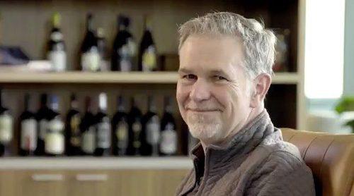Reed Hastings, director de Netflix, responde a Paquita Salas en una nueva promo de la serie