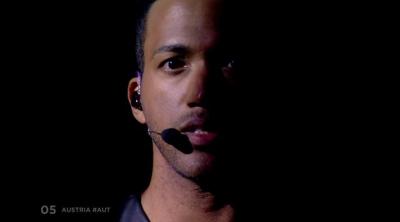 """Eurovisión 2018: César Sampson (Austria) interpreta """"Nobody But You"""" en la Gran Final del Festival"""