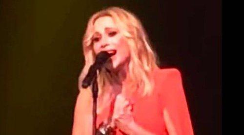 Marta Sánchez canta el himno de España con una letra compuesta por ella misma