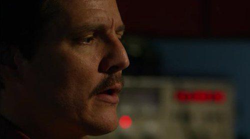 Javier Peña alucina con el bacalao de Chimo Bayo en este video de 'Narcos'