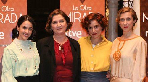 """Los protagonistas de 'La otra mirada' presentan a sus personajes: """"Todo acompaña a meterte en la época"""""""