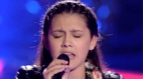 "'La Voz Kids': Flori, concursante del equipo de Antonio Orozco, sorprende a los coaches cantando ""Stone cold"""