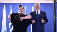 El polémico baile de Benjamin Netanyahu con Netta dos días después de la matanza de palestinos en Gaza